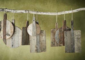 Zestaw desek dekoracyjnych Madam Stoltz. Deska z drewna z recyklingu - skandynawski dodatek do wnetrza