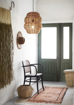 Dywan Madam Stoltz w kolorze ceglanym z bawełny. Dywan skandynawski w pięknym kolorze cegły z frędzlami