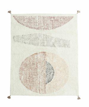 Dywan bawełniany z Madam Stoltz - dywan o asymetrycznych kształtach w kolorze złamanej bieli.